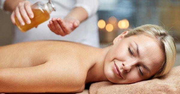 Kettős kényeztetés: wellness masszázs arcmasszázzsal