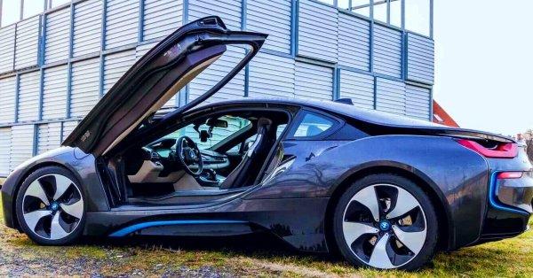 Engedd szabadjára a vadállatot: BMW i8 élményvezetés