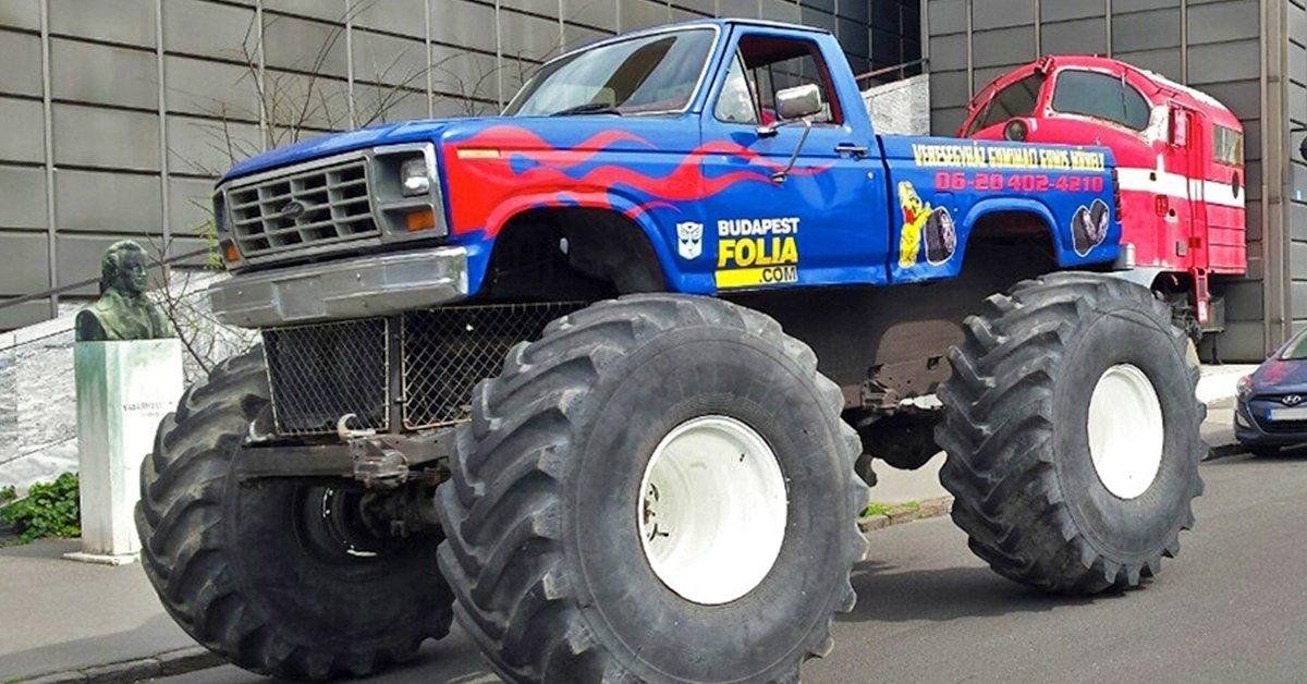 3 méterrel az út felett: 4 kör Monster Truck élményvezetés