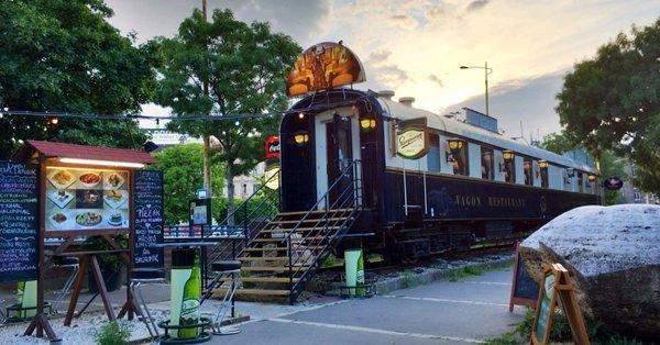 2 személyes Vagon tál a ház pálinkájával és egy üveg borral